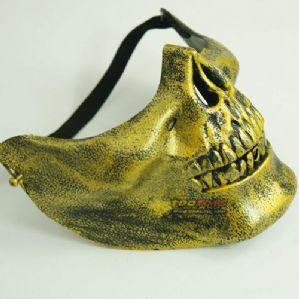 หน้ากากกะโหลกครึ่งหน้าสีทอง